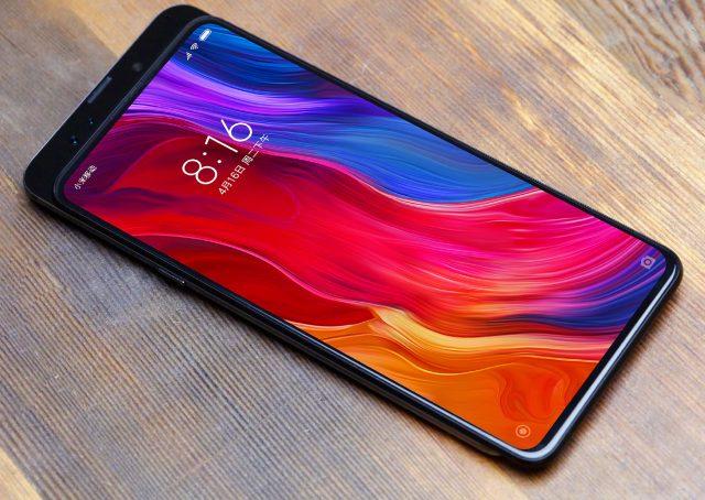 Каким будет новый полностью безрамочный смартфон Xiaomi Mi Mix 3